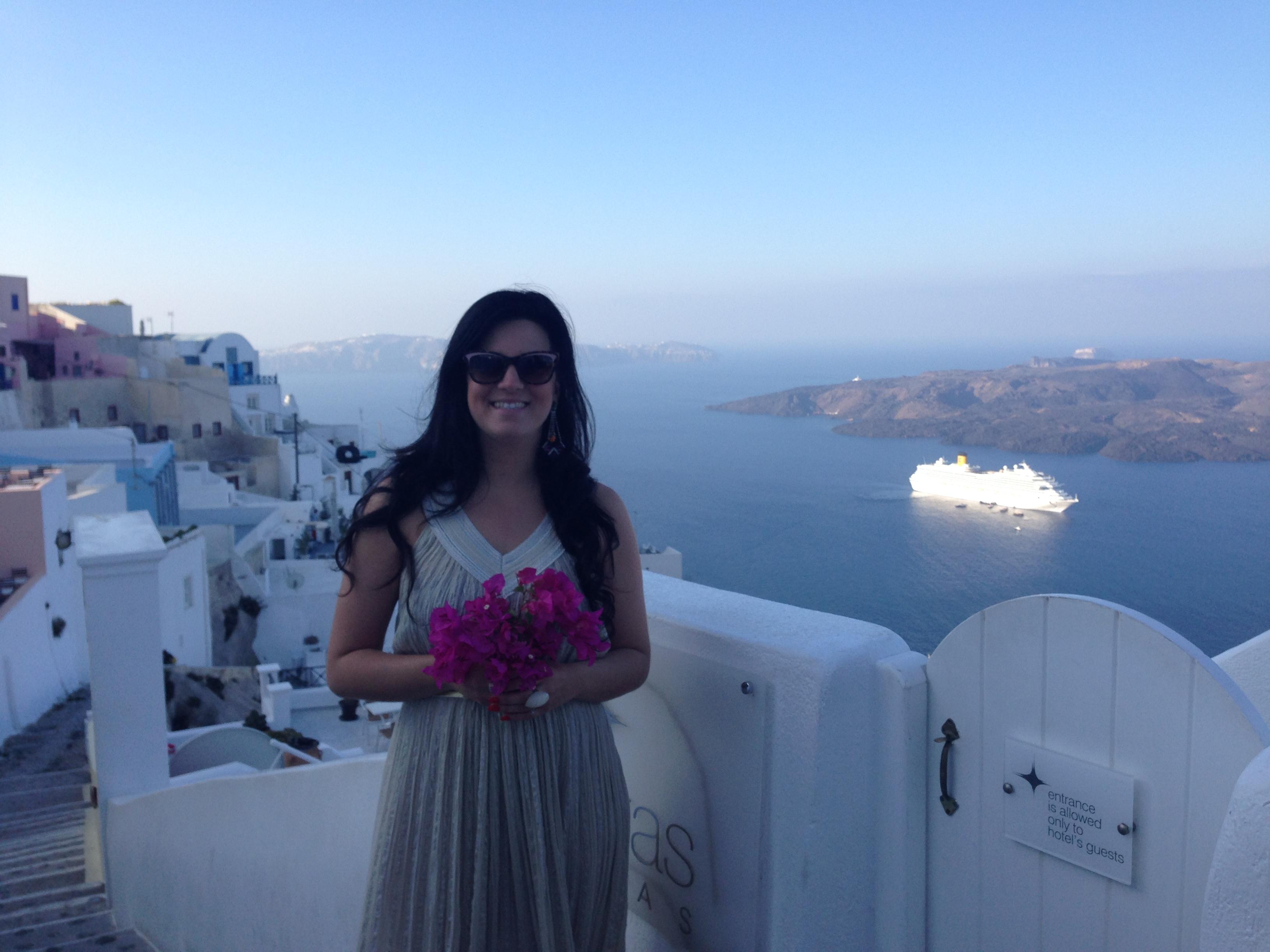Lulu em_ Santorini