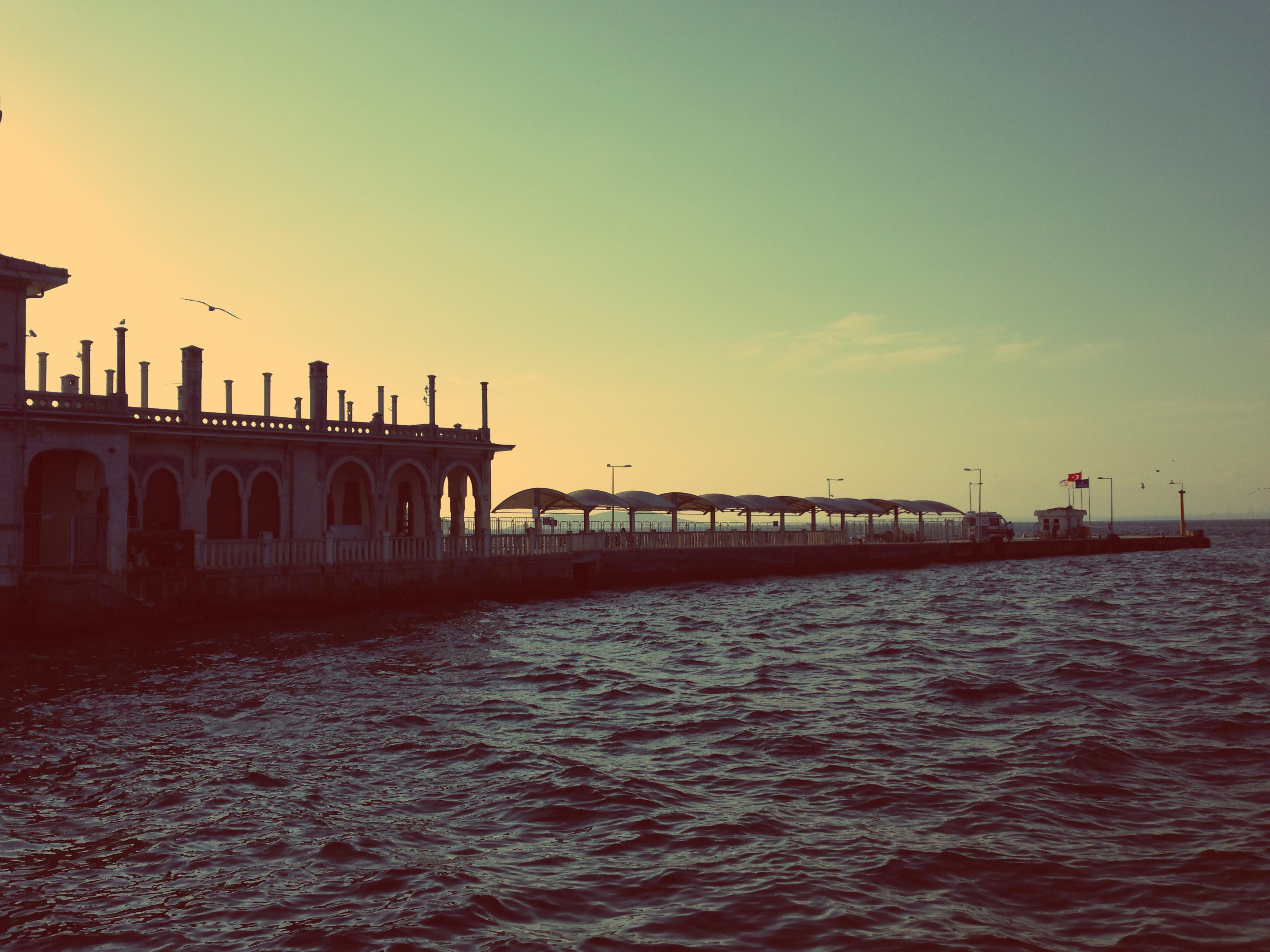 Pôr-do- Sol no porto otomano